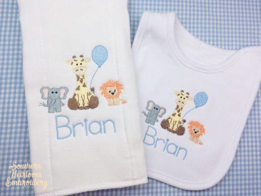 Fraldas bordadas: com nome Brian