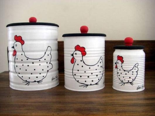 Latas decoradas para cozinha: com galinha
