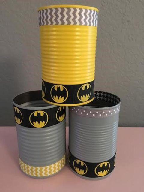 Latas decoradas para aniversário: Batman