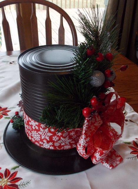 Lata decorada para Natal pintada de preto com laço