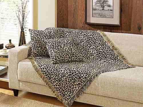 manta para sofá estampada.