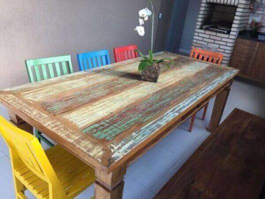 Pátina colorida: mesa de jantar