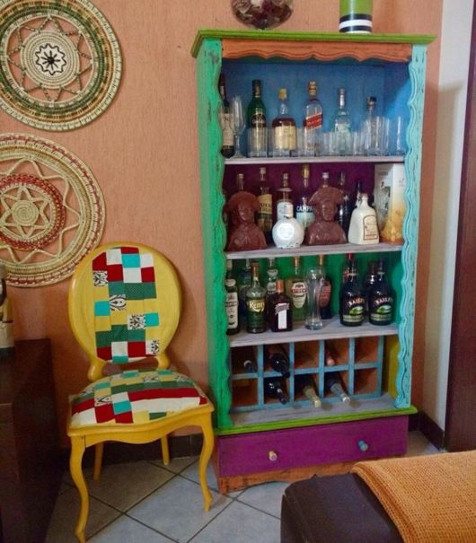 Pátina colorida: barzinho