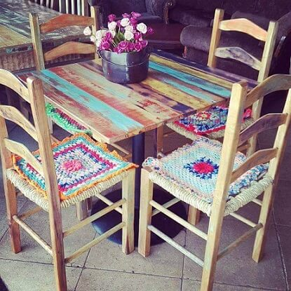 Pátina colorida: mesa pequena