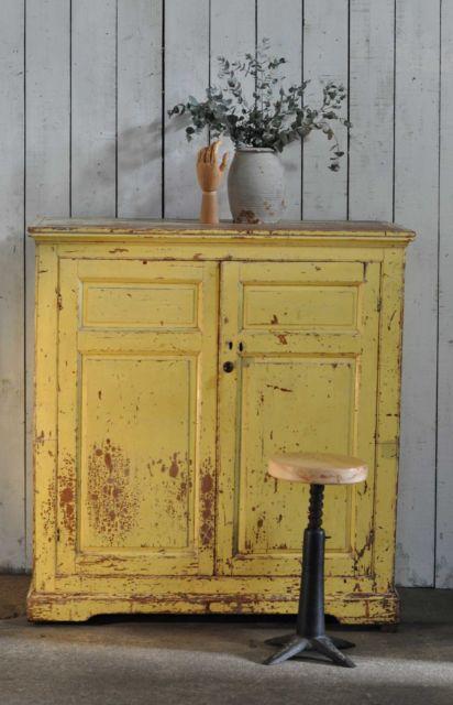 Pátina em madeira: amarela