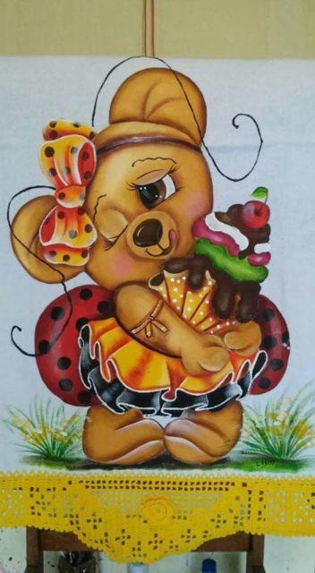 Pintura em tecido: ursinho com cupcake