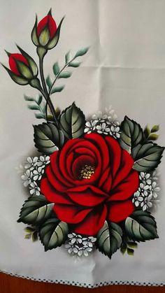 Pintura em tecido: rosa vermelha