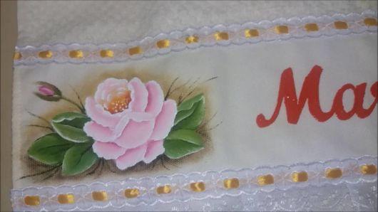 Pintura em tecido: toalha com flores