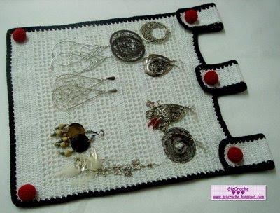 porta bijuteria de crochê