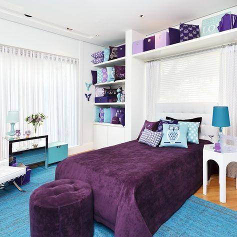 quarto azul turquesa e roxo