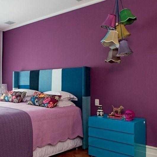 quarto casal azul e roxo