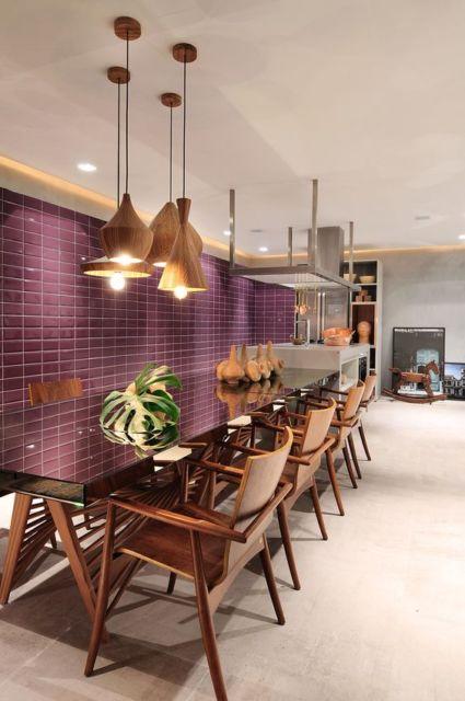 cozinha moderna com mesa
