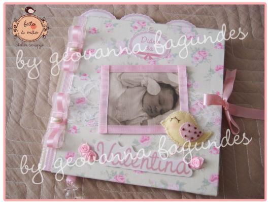 Scrapbook para bebê menina