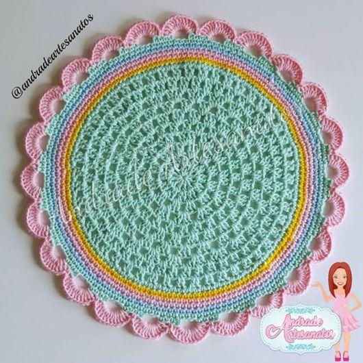 Sousplat de crochê colorido