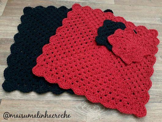 Sousplat de crochê quadrado vermelho