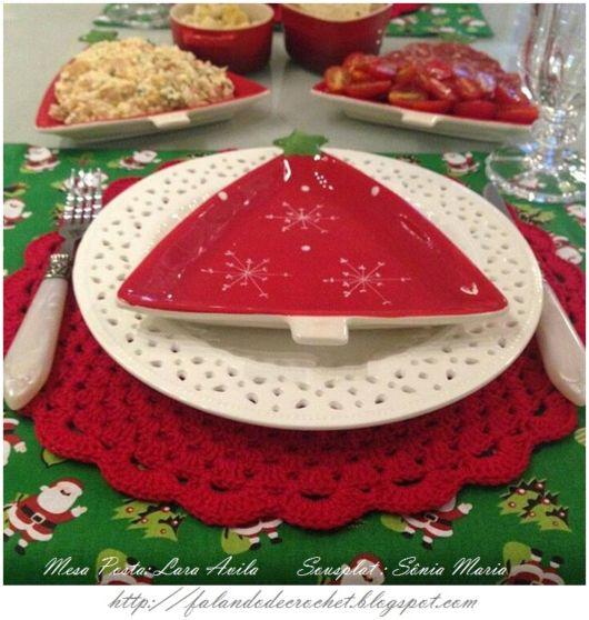 Sousplat de crochê vermelho para Natal