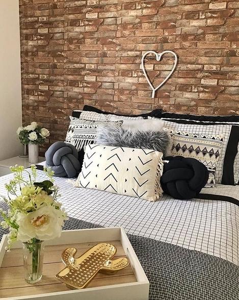 quarto de casal pequeno e moderno