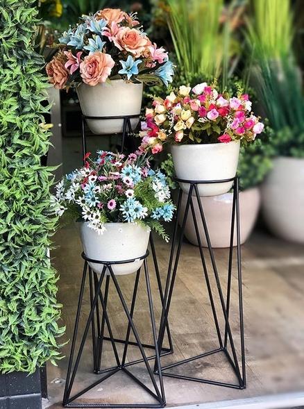 suporte aramado flores