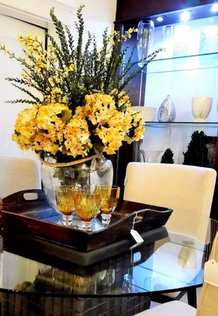 arranjo com flores amarela