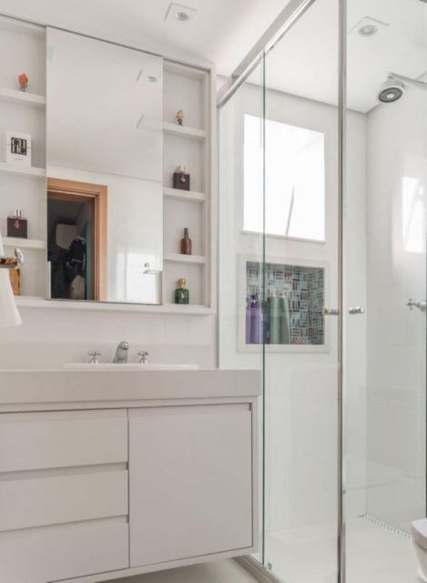 Banheiro planejado simples