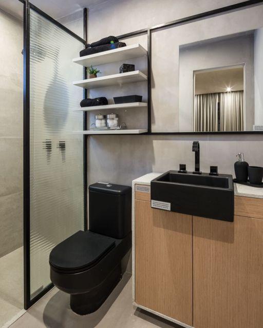 Banheiro planejado preto