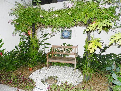 jardim pequeno e simples
