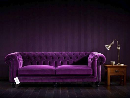 fotos de sofá roxo