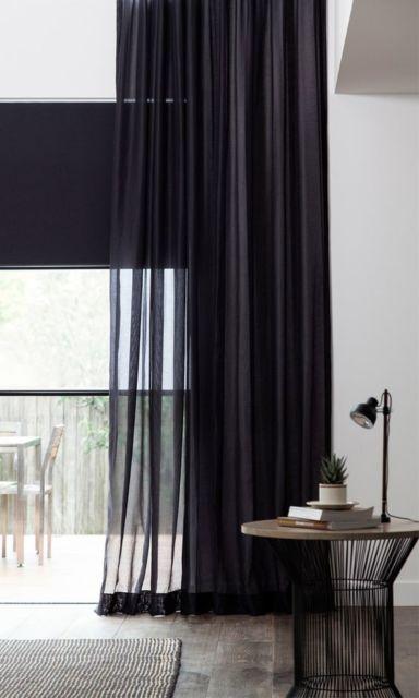 decoração com cortina preta