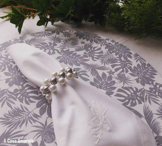 guardanapo branco bordado