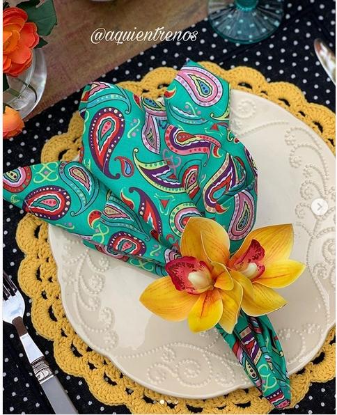 guardanapo colorido