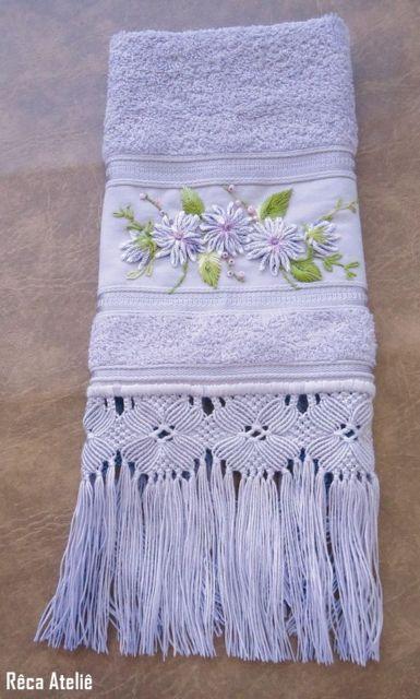 toalha de lavabo bordada