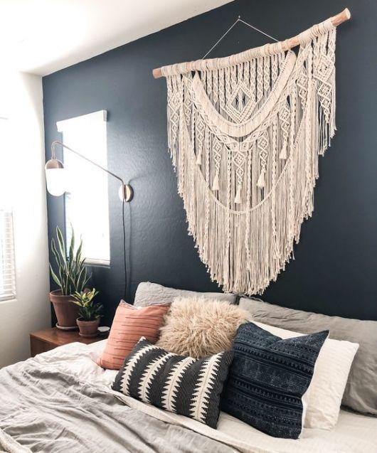 decoração quarto parede preta