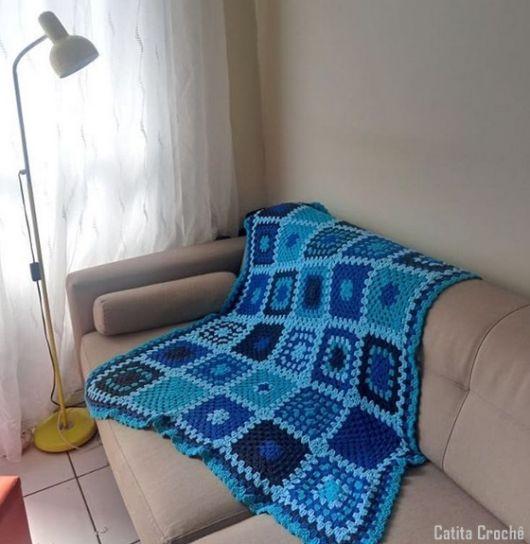 manta azul crochê square