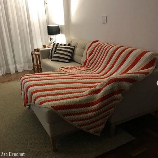 manta colorida para sofá