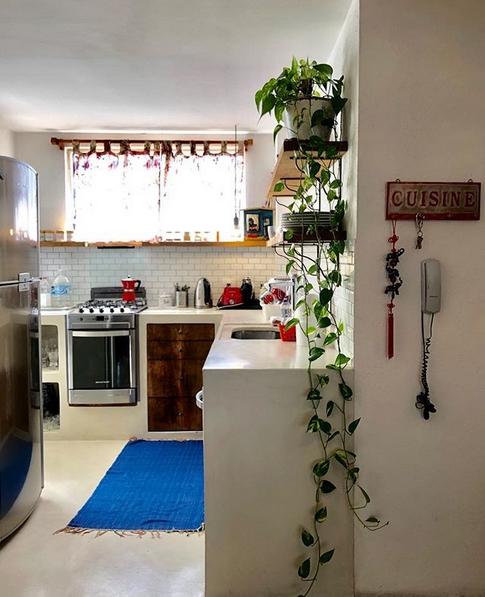 cozinha com bancada de alvenaria