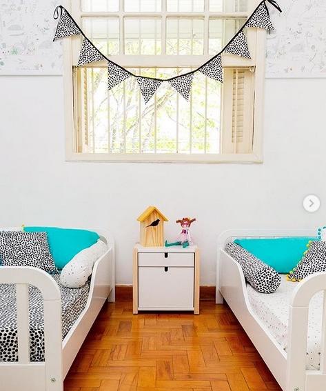 quarto simples e neutro