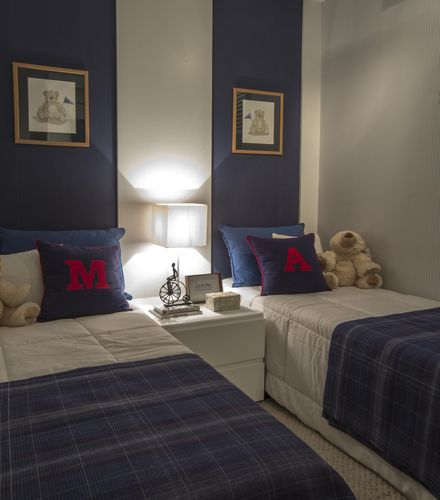 quarto azul marinho
