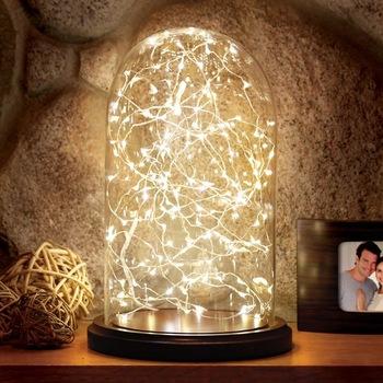 redoma de vidro com luzes