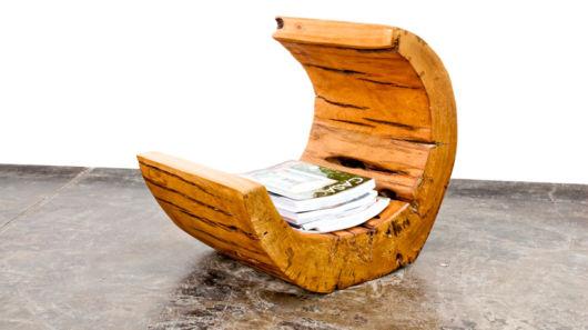 Revisteiro de madeira