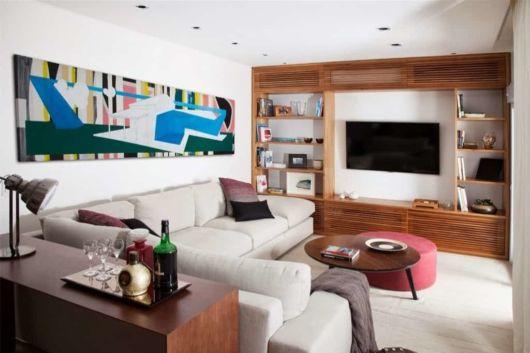 Sofá grande em sala pequena