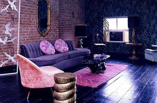 sofá roxo retro