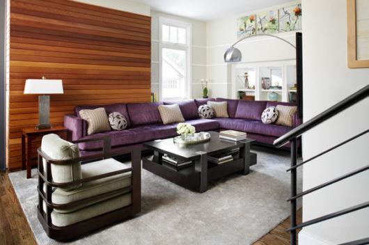 sofá roxo em L