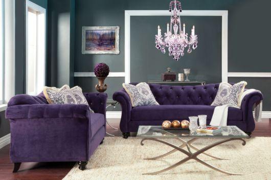 sofá roxo vintage