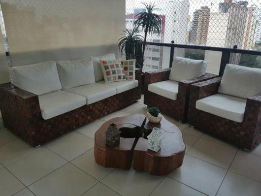 sofá rústico