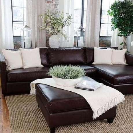 Sala com sofá de canto simples