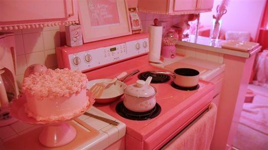 Cozinha com tons de rosa