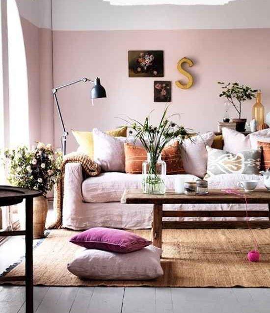 Sala com decoração rosa