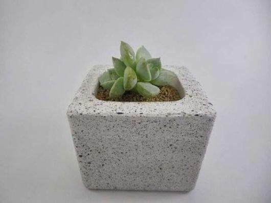 vaso quadrado de concreto
