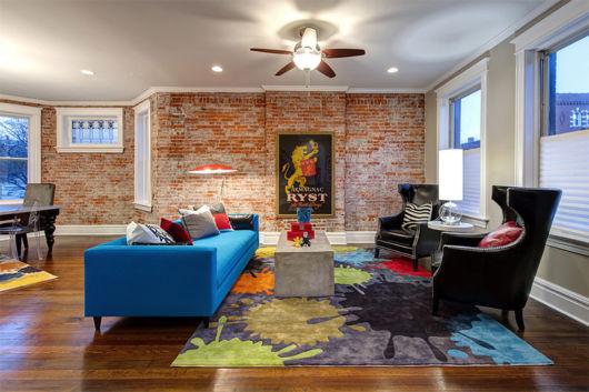 sala com lindo ventilador de teto moderno