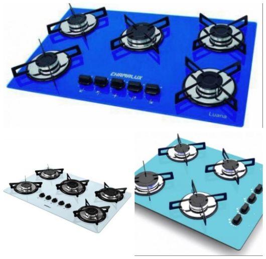 Montagem com cooktops azuis de tonalidades diferentes.